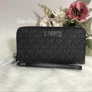 MK Large Flat Multifunction Phone Wallet/Wristlet
